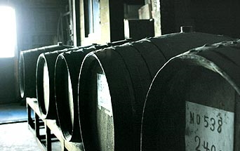 繊月酒造 樫樽貯蔵